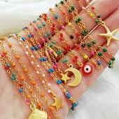 Se notan las ganas de verano?🌞🌴🌺Cuál es vuestra combinación preferida? Podéis escoger el color de la cadena y el colgante por separado 🥳Muy pronto en la web, ya disponibles en el showroom♥️* * * * *#collares #necklaces #barcelonajewels #gargantillas #showroombarcelona #cadenas #cadenitasdeacero #stainlesssteeljewelry #cadenasdeacero #happyuky #elputxet #sarriasantgervasi #elfarro #layeringjewelry #igersgracia #cadeasdeaceroinoxidable #nuevacoleccion #cadenitas #barcelona #valencia #zaragoza #madrid