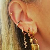 Friday Mood 🌈 ✨ Todos los aritos y ear cuff disponibles en el showroom 🥰* * * * * * *#pendientes #pendientesaro #joyitas #criollas #aritos #complementos #joyasdeaceroinoxidable #accesorios #joyasdemoda #elputxet #santgervasi #showroombarcelona #earcuff #arosfalsos #aritosaceroinoxidable #nuevacoleccion #hoops #earringslover #igerbarcelona #bisuteria #photooftheday