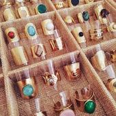 Cada vez que llegan nuevos modelos de anillos tengo que resistirme para no quedarme uno de cada!! 😄 Tenéis que venir a verlos! 💘💕* * * * * *#anillos #rings #joyitas #jewels #regalos #complementos #bañodeoro #accesorios #anillospiedras #anillosoro #joyasdemoda #elputxet #santgervasi #showroombarcelona #tiendasdemoda #anillosaceroinoxidable #nuevacoleccion #newcollection #anillosajustables #barcelona #valencia #madrid #zaragoza
