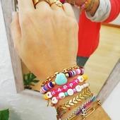 Preparada para el finde!! 🌈🐚🥳🌴☀️ Volvemos el lunes con las pilas cargadas!! 😘* * * * * *#anillos #rings #joyitas #jewels #regalos #complementos #pulseras #heishi #pulserasverano #pulserasacero #pulserasletras #accesorios #anillospiedras #anillosoro #joyasdemoda #elputxet #santgervasi #showroombarcelona #tiendasdemoda #anillosaceroinoxidable #nuevacoleccion #newcollection #anillosajustables #barcelona #valencia #madrid #zaragoza