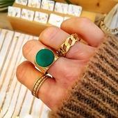 ✨💚✨* * * * * *#anillos #rings #joyitas #jewels #complementos #bañodeoro #accesorios #anillospiedras #anillosoro #joyasdemoda #anillosdeacero #anillosajustables #anillosdeaceroinoxidable #elputxet #santgervasi #showroombarcelona #happyuky #anillosaceroinoxidable #nuevacoleccion #bisuteria